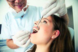 Die Sondierung der Zahnfleischtaschen
